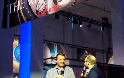 Bart Grönefeld talks with Ville Arzoglou